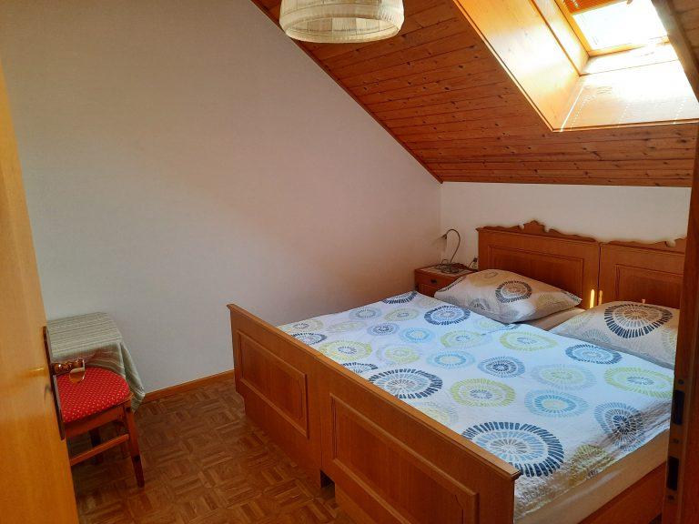 Pension Hecher Ferienwohnung Obstgarten Schlafzimmer 2