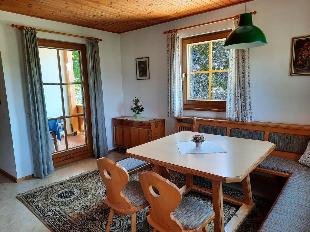 Pension Hecher Ferienwohnung Bergsicht Wohnraum