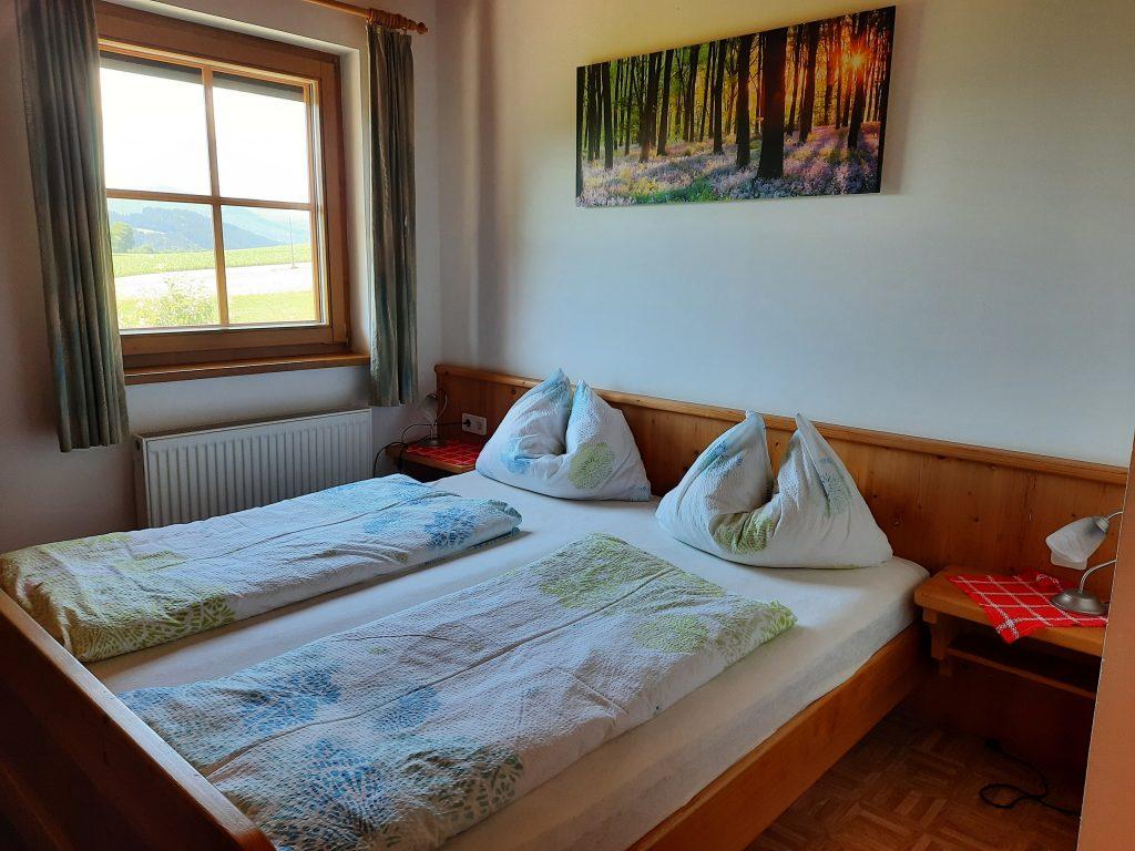 Pension Hecher Ferienwohnung Bergsicht Schlafzimmer 1